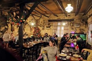 Интерьер в ресторане Neromilos
