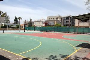 Спортивная площадка в American Academy