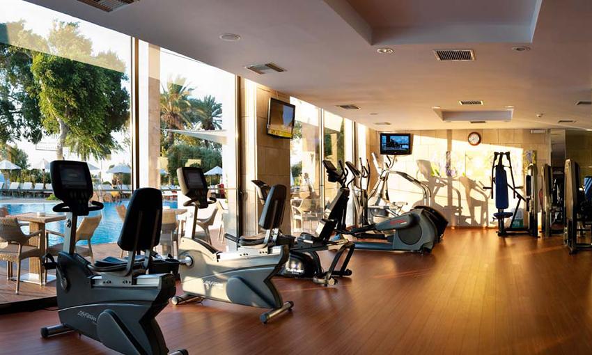 Фитнес-центр в отеле Amathus