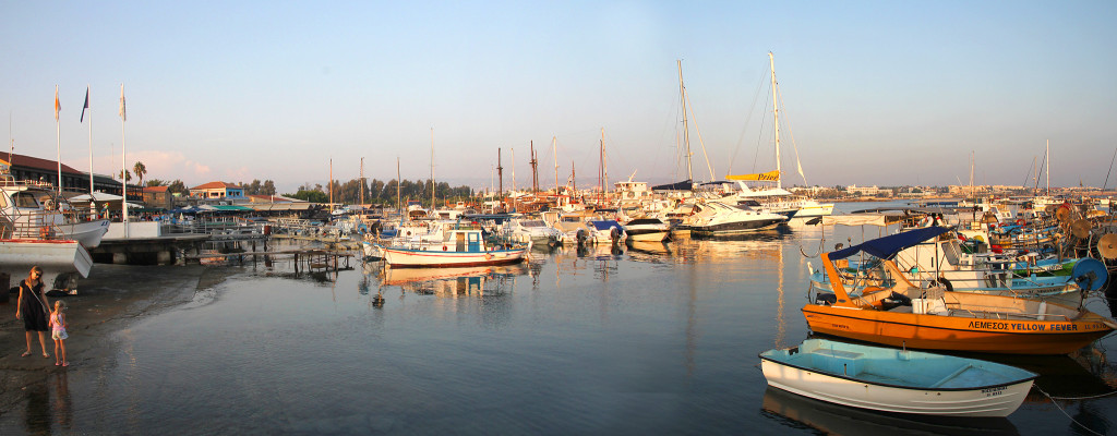 the harbour in Paphos