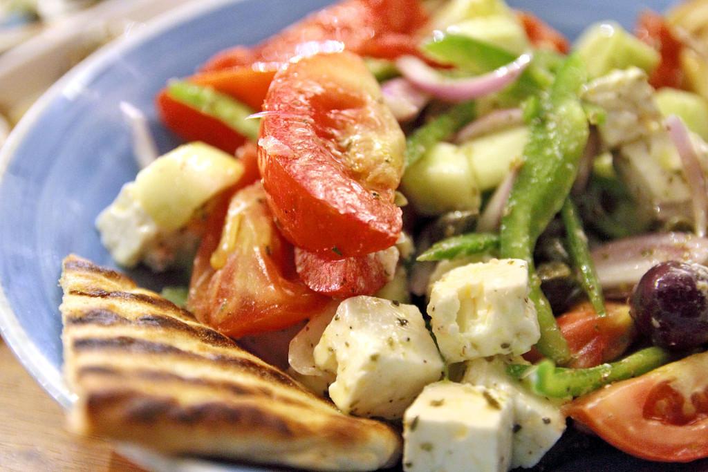 Салат в ресторане Limanaki