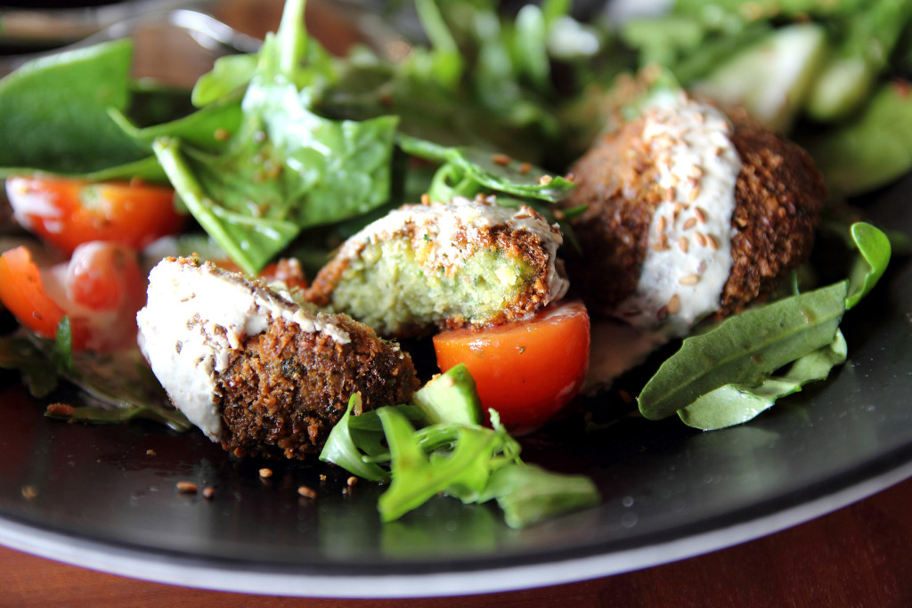 Falafel with spinach