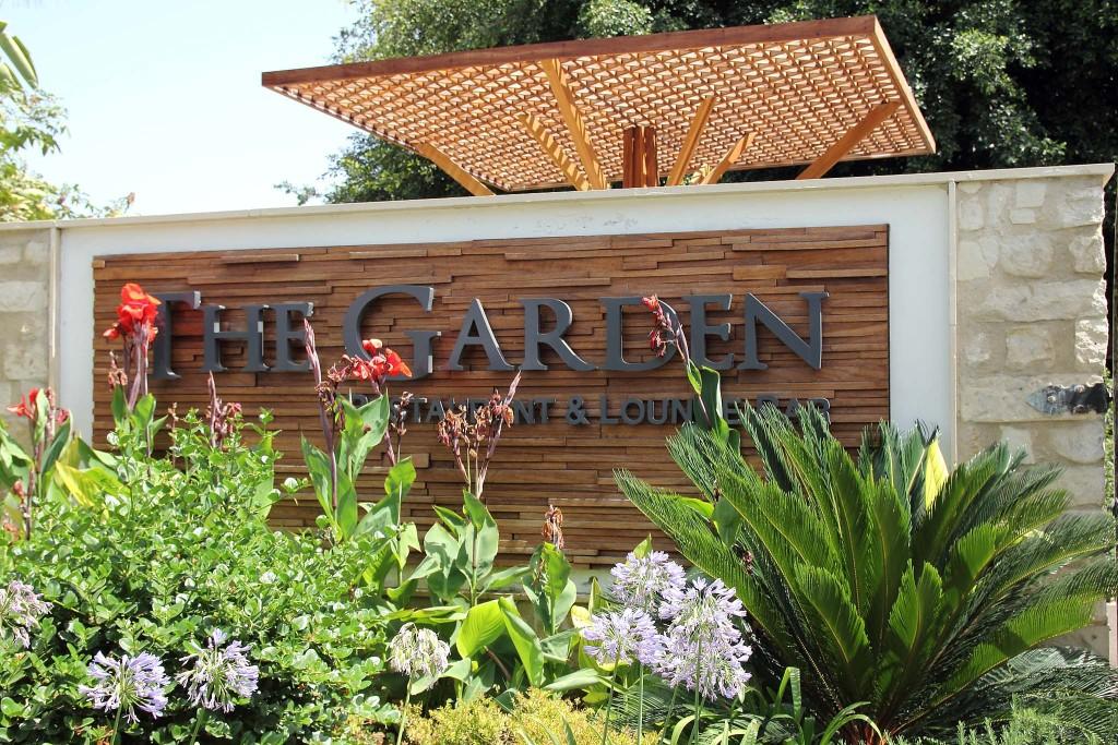 Вывеска The Garden