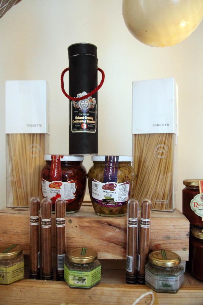 Wine Bar Italiano Cento Per Cento - деликатесы