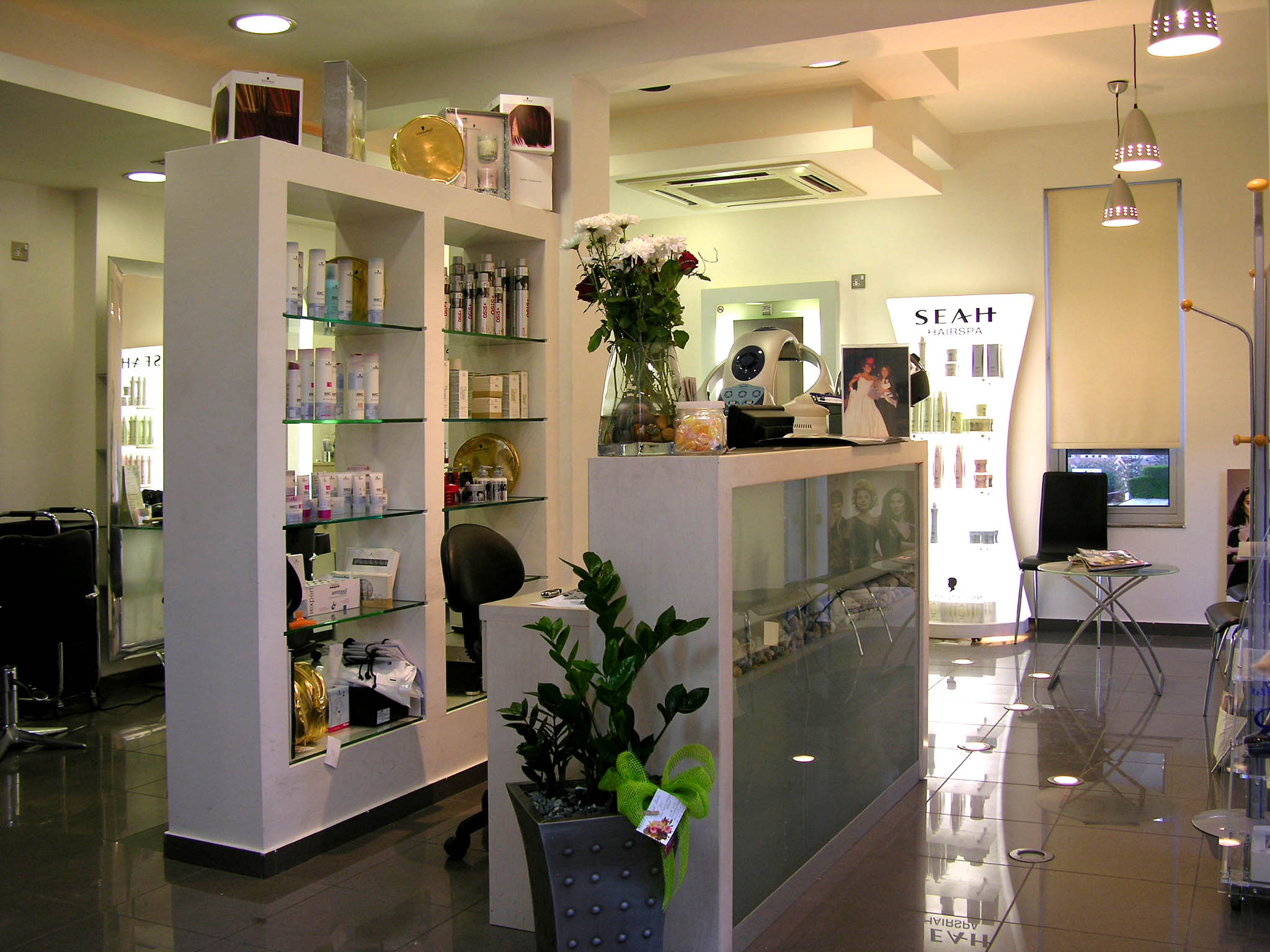 Celebrity Unisex Salon - 1585 Av Warden, Scarborough ...