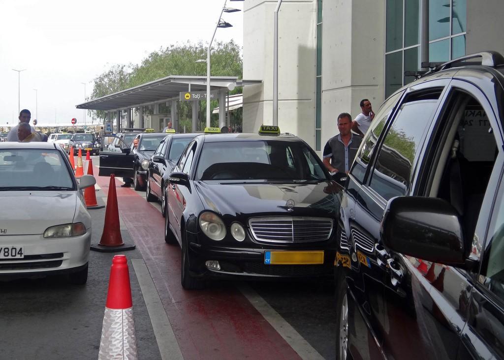Такси в аэропорту Ларнаки