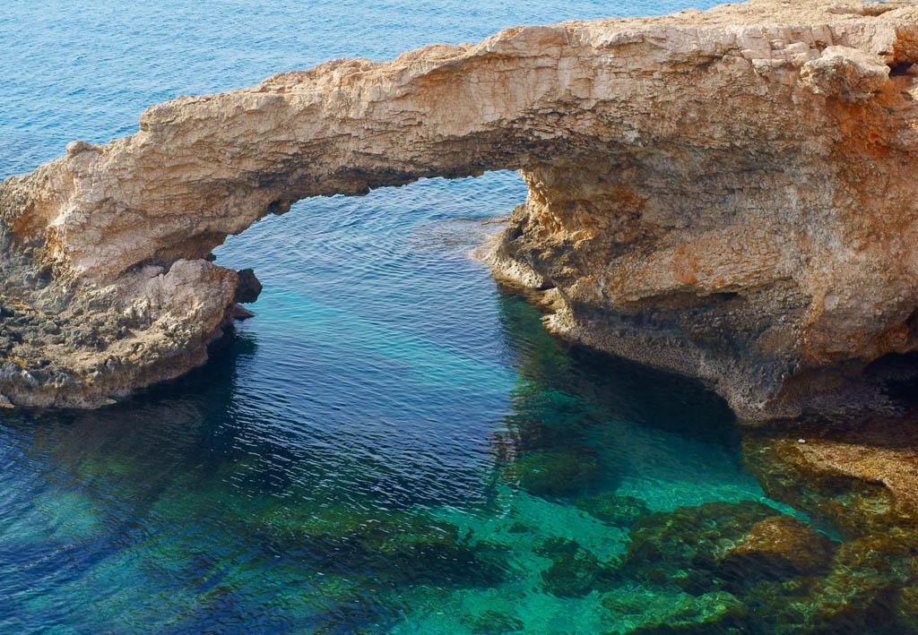 Морские пещеры в Протарасе
