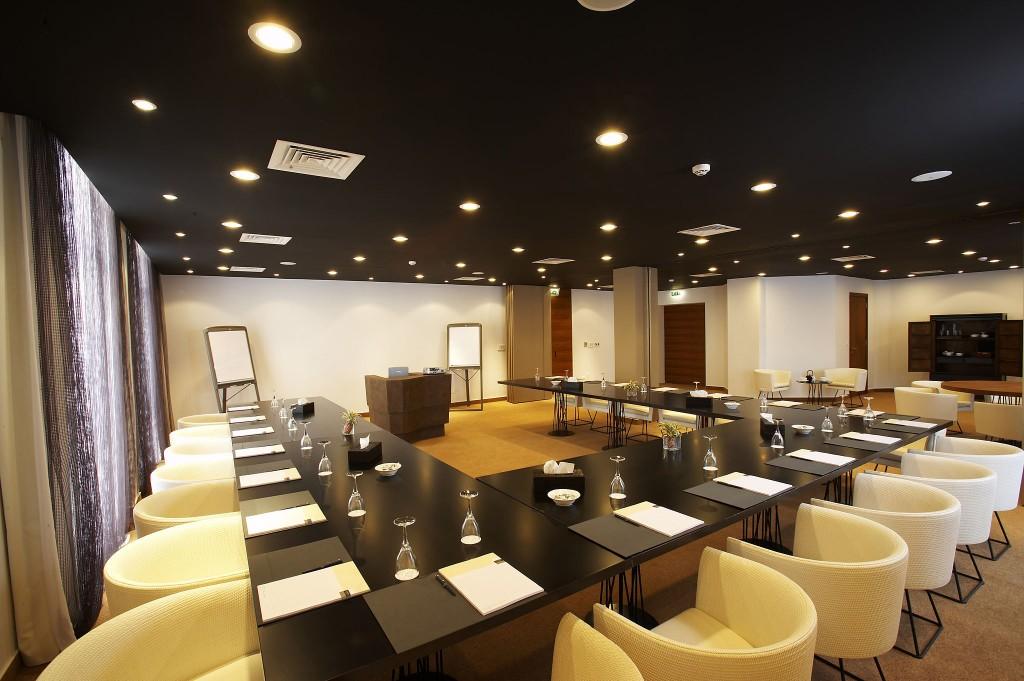 Londa Hotel - конференц-зал Alpha Omega