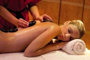 Amathus Beach Hotel - массаж с горячими камнями