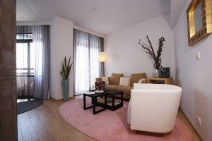 Londa Hotel - Elite Suite living area