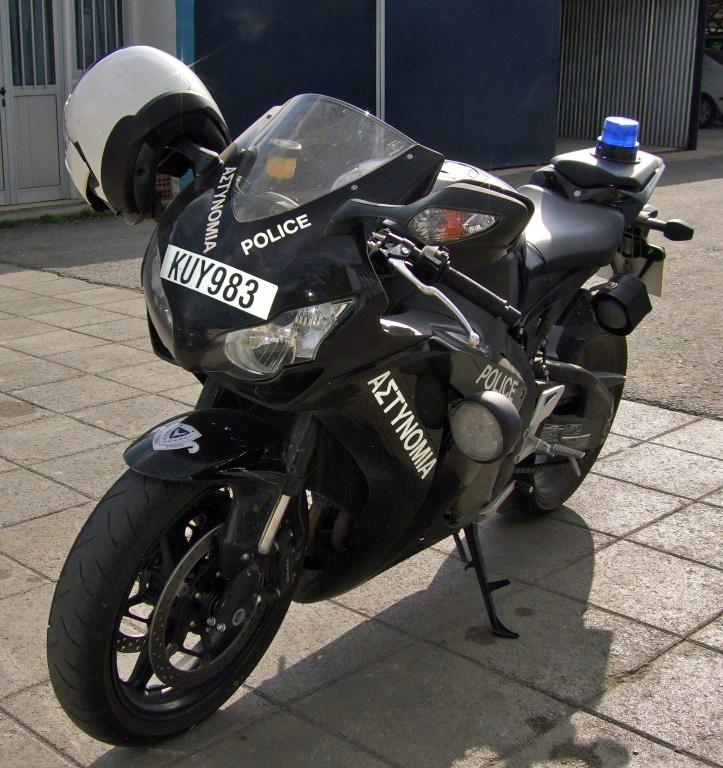Дорожная полиция на Кипре