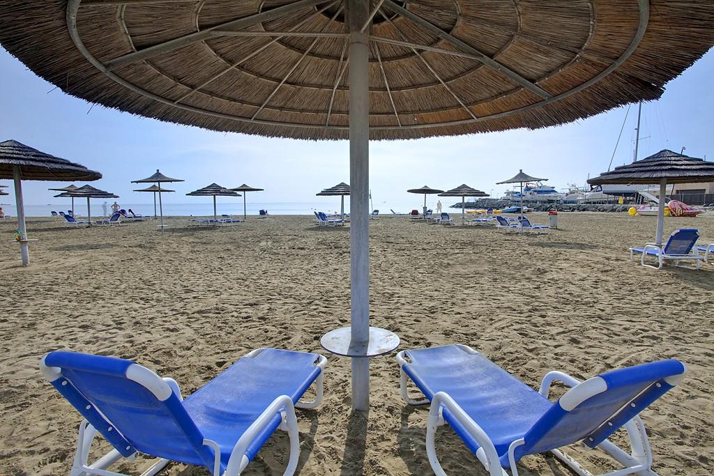 St. Raphael Resort - пляж