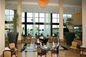 Grecian Park Hotel - лобби