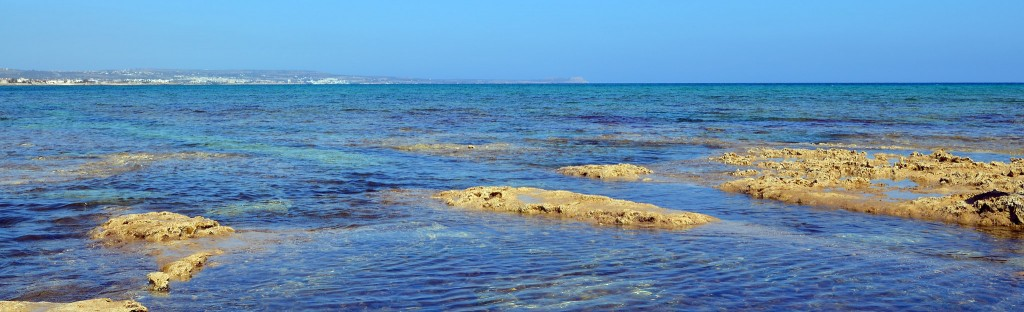 Море около деревни Лиопетри
