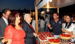 Димитрис Христофиас на клубничном фестивале