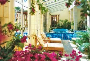 Интерьер отеля Columbia Beach Hotel 4*