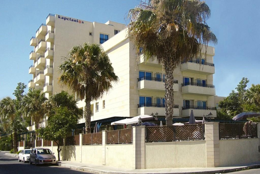 Отель Kapetanios