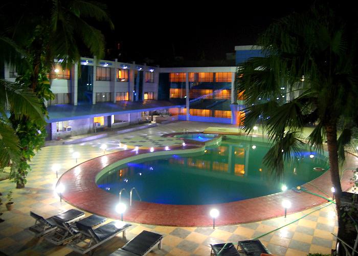 Отель Silver Sands