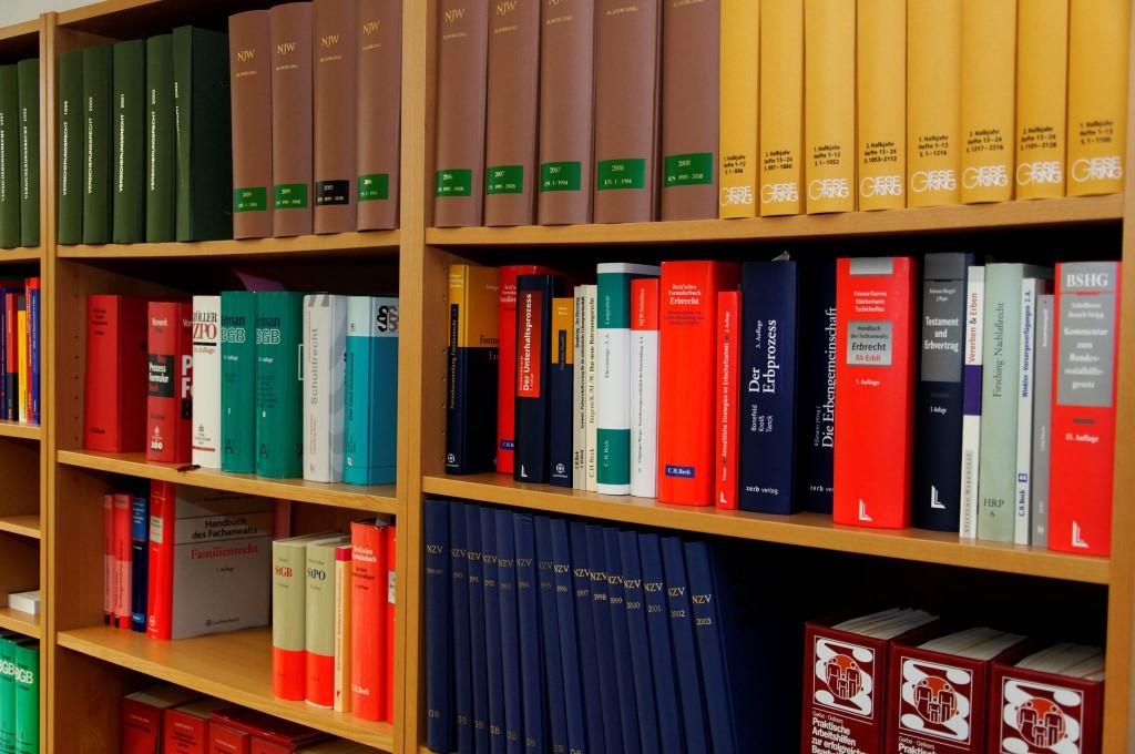 Юридические услуги на Кипре - Dr. P. Kourides Law Office