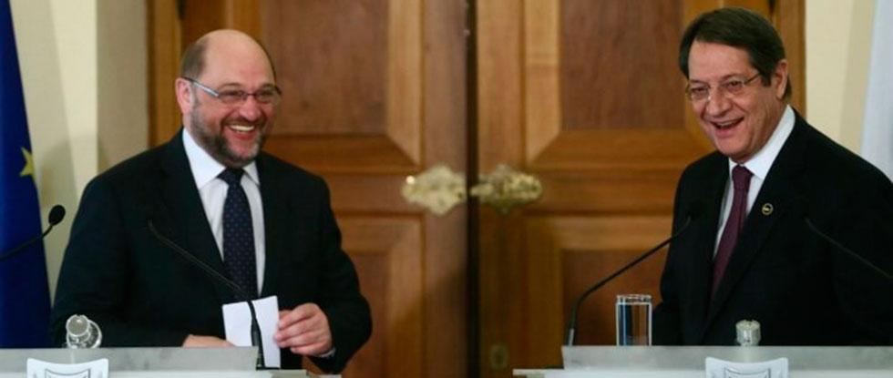 Шульц и Анастасиадис
