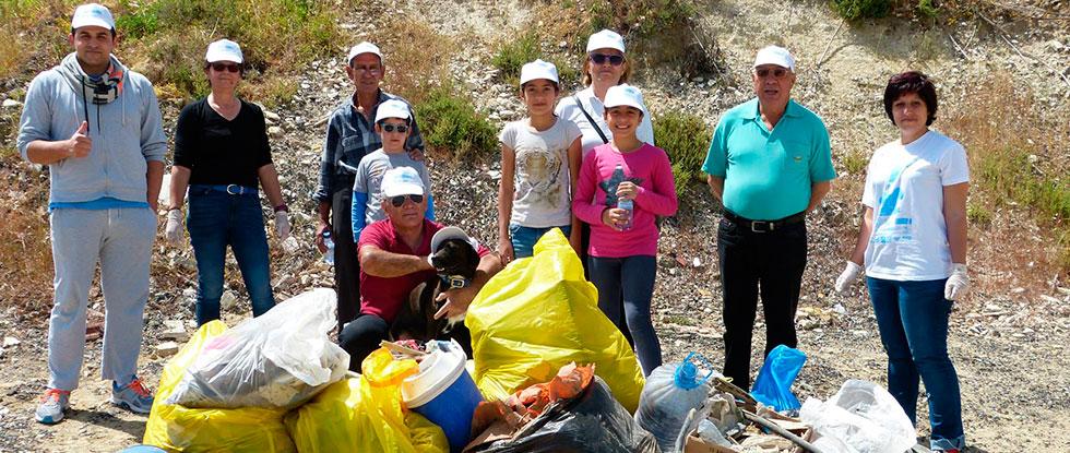 Уборка мусора на Кипре