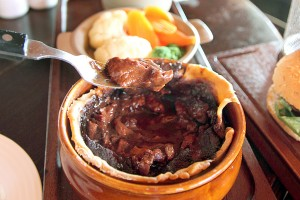 Molly Malone's Steak Guinnes Pie