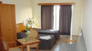 valana-hotel-limassol-pokoj-2-min
