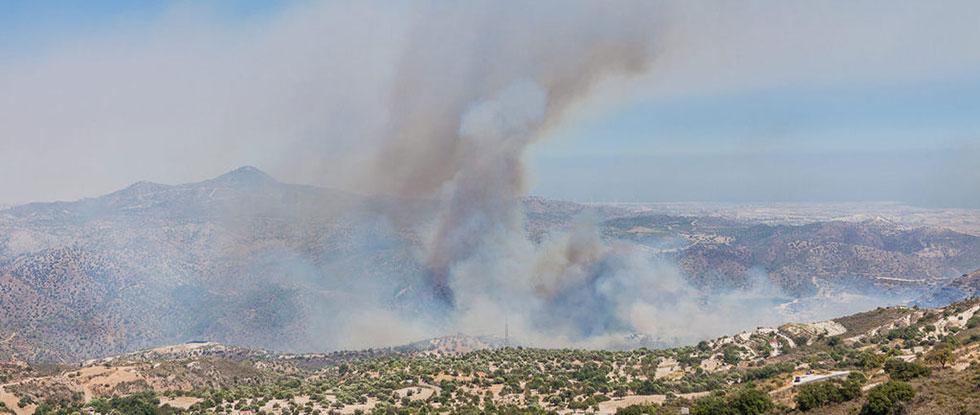 Пожар в горах на Кипре