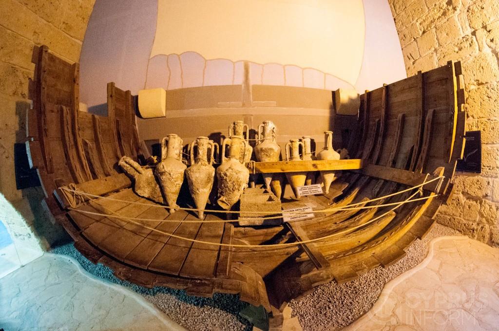 Сосуды с торгового судна в киренийском замке