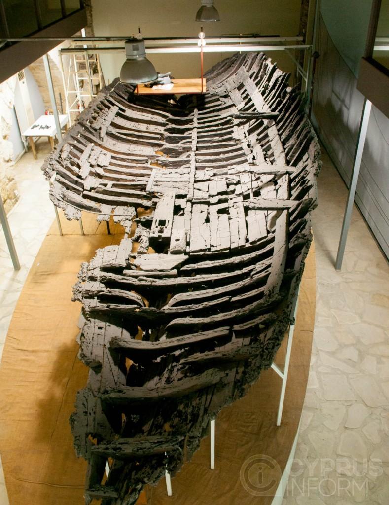 Старое торговое судно в киренийском замке