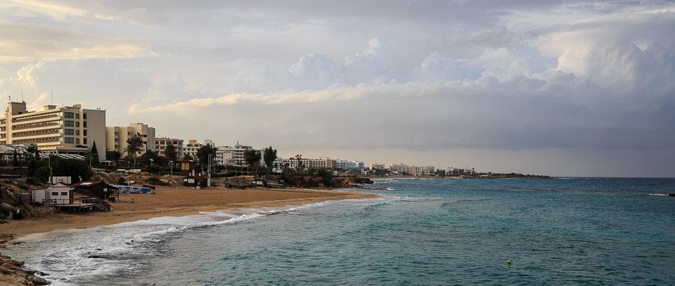 Хмурое небо на Кипре