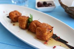 Mangas Tavern - сыр фета в панировке