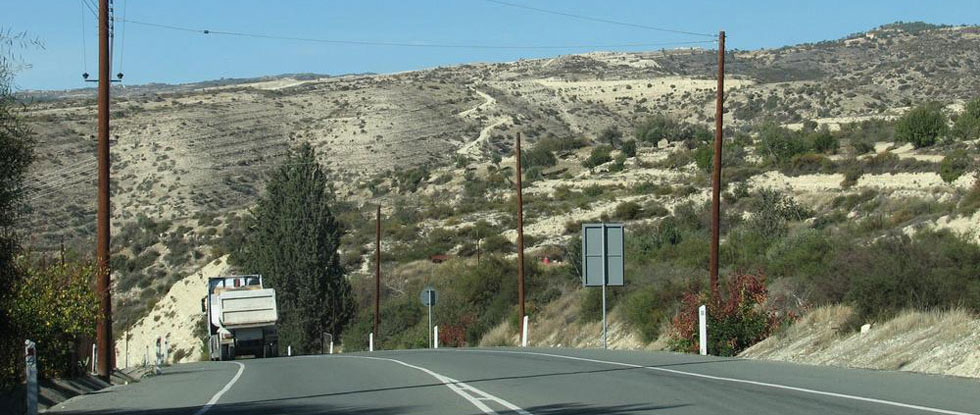 Дорога в горы Троодос