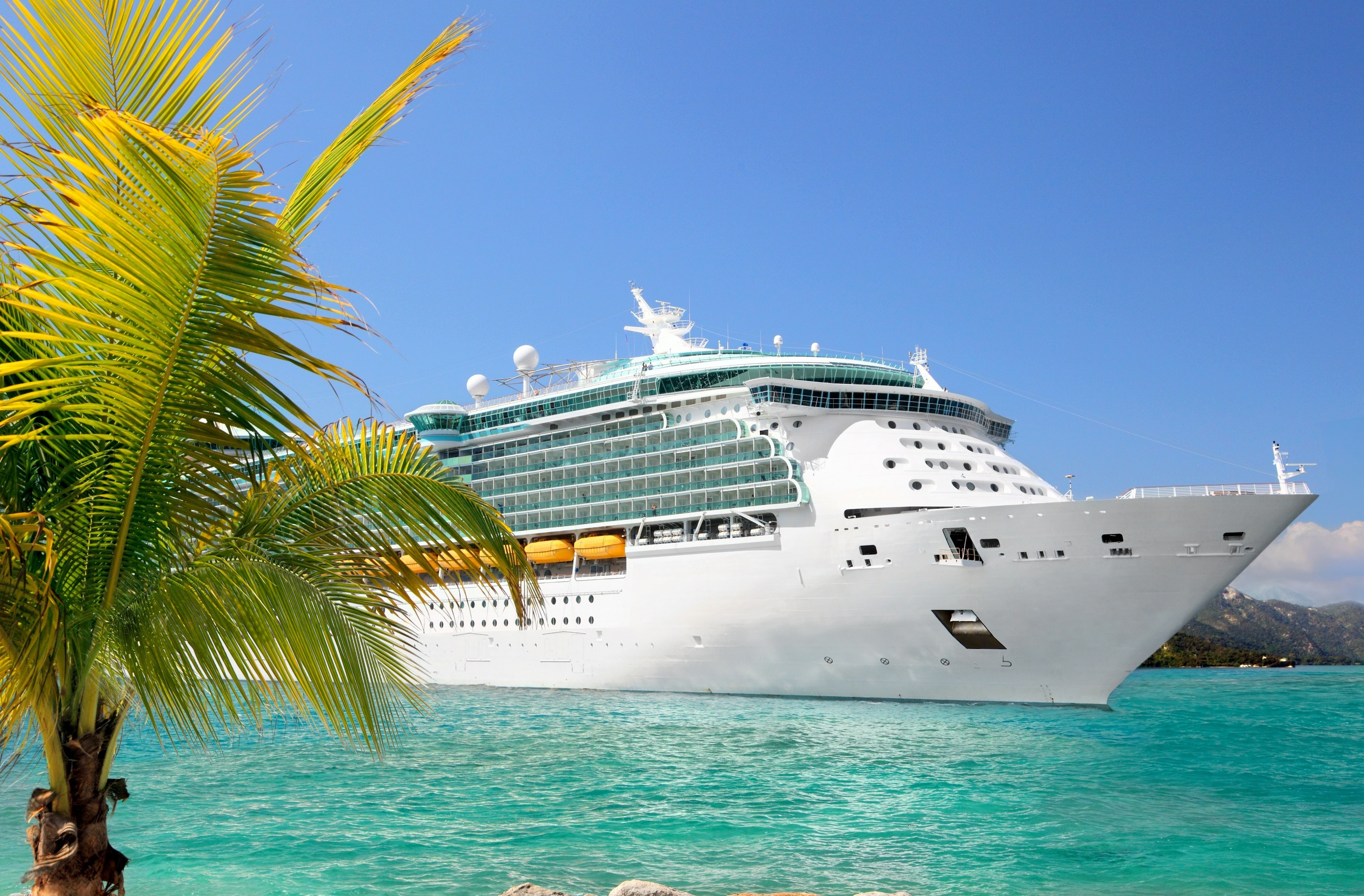 3917328-cruise-wallpapers