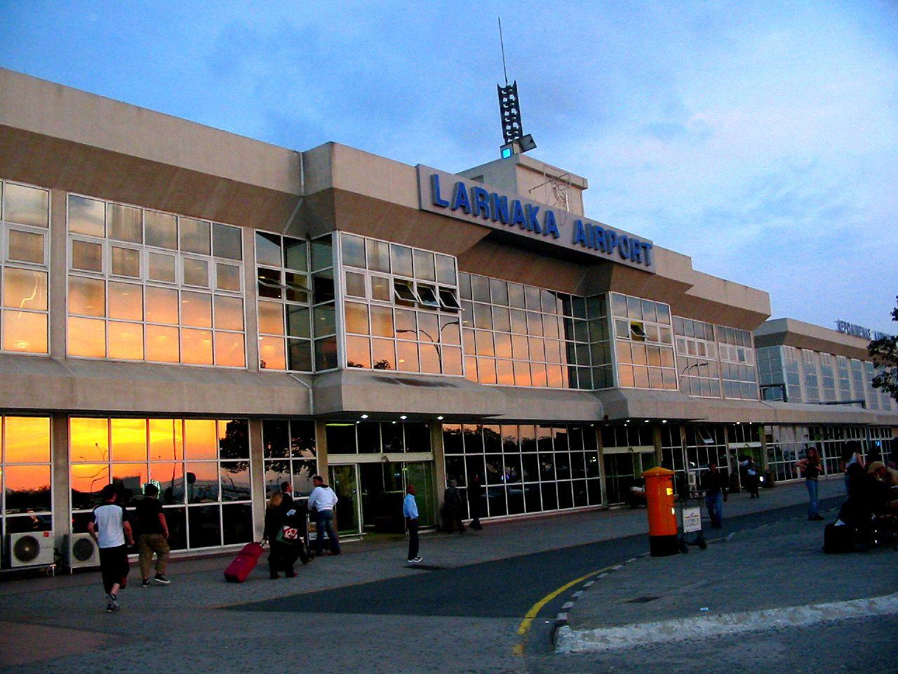 aeroport-larnaka
