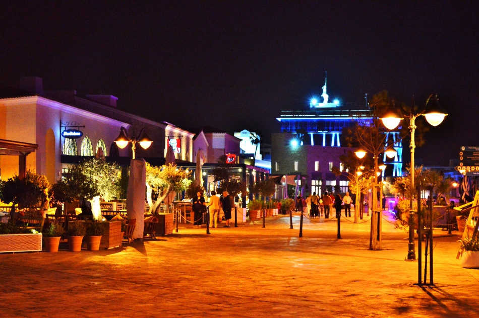 limassol_marina_promenade_by_night_limassol_republic_of_cyprus_14