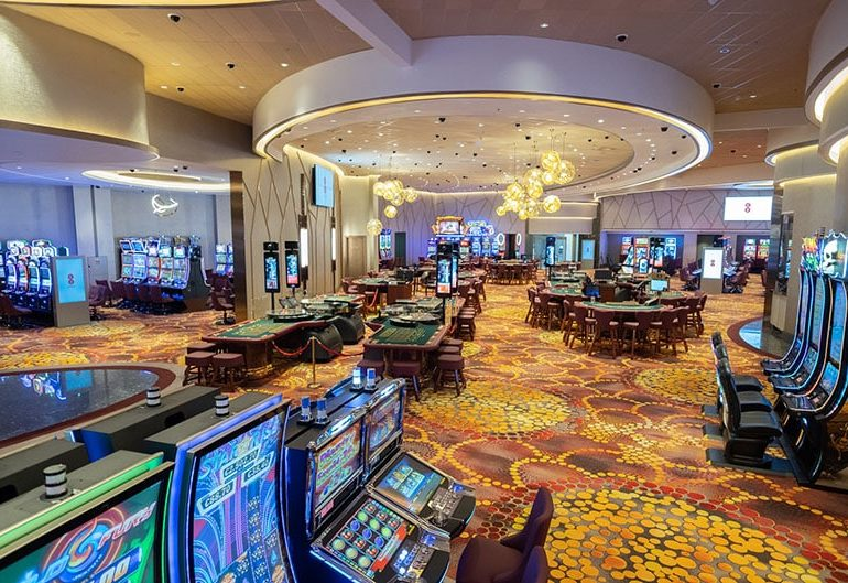 feature-casino-main-pic-the-casino-presently-offers-roulette-blackjack-poker-russian-poker-and-the-ever-popular-slot-machines-770x529